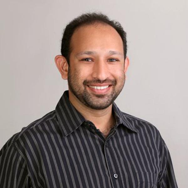 dr irfan motiwala dental surgeon and implants specialist